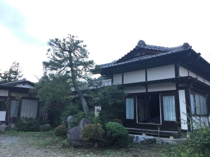 わさび御殿(山梨県都留市) Wasabi-Goten
