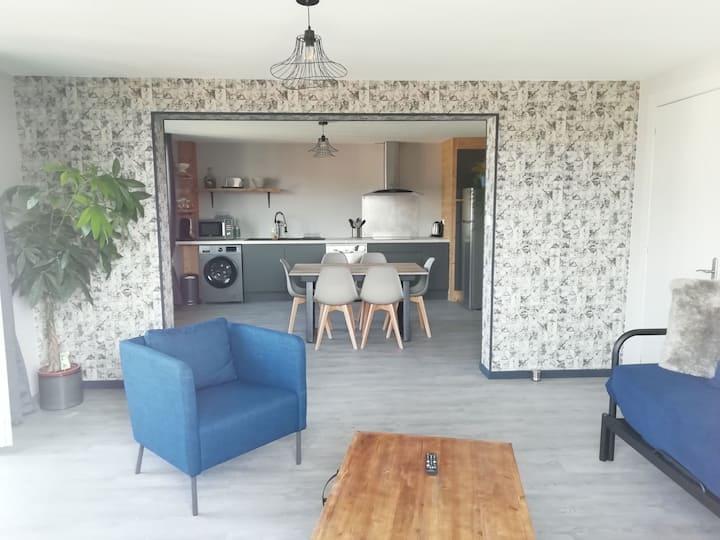 Appartement avec balcon proche centre (5minutes)
