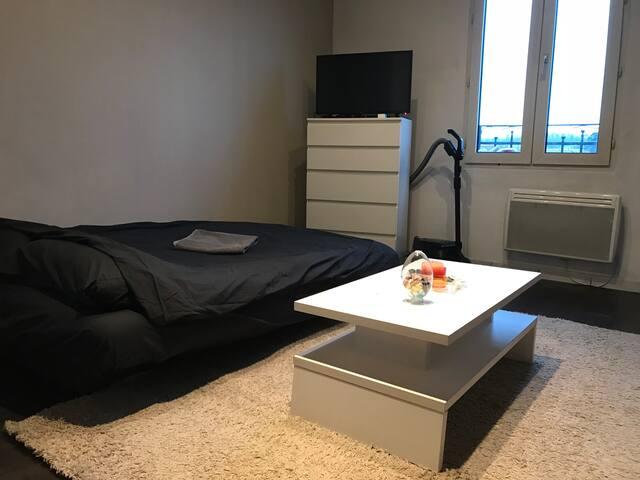 Studio confort calme toutes commodités Paris 25min