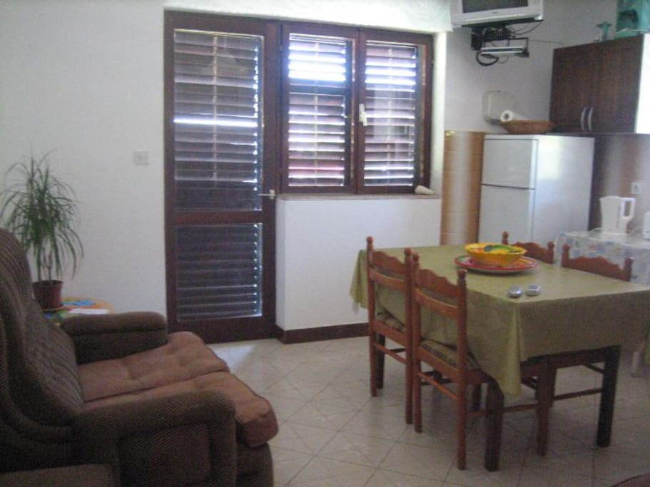 Fully equipped living room and kitchen