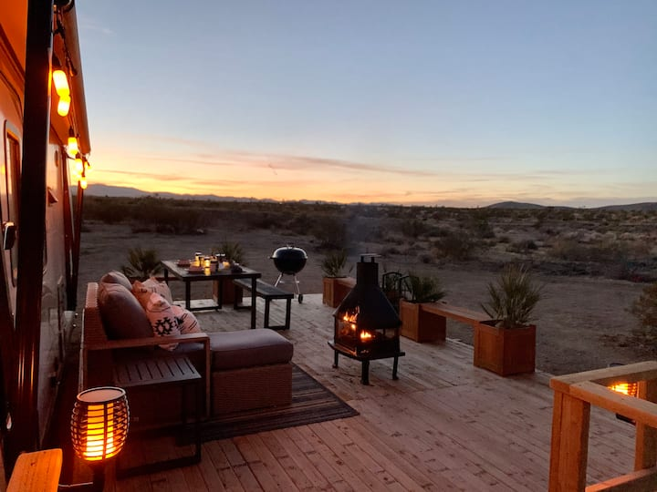 @ Marbella Lane - Joshua Tree Desert RV | Stargazing!