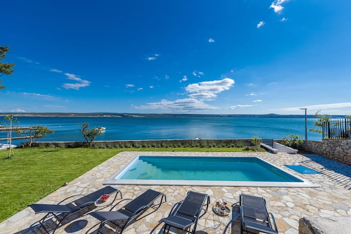Modern villa Maslenica, stunning view to the sea.