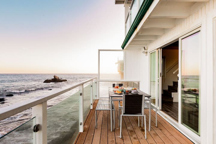 Oceana by AvantStay |Malibu Home w/ Direct Beach Access & Panoramic Ocean Views