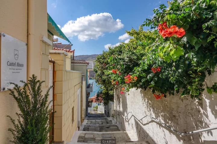 Neoclassical Mansion in the Heart of Andros Town