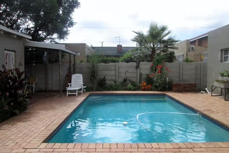 Great Guesthouse close to Nasrec, Gold Reef City - Johannesburg South