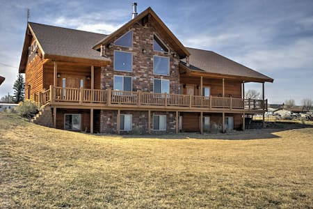 NEW! 3BR +Loft Bryce Canyon Home on Sevier River - Hatch - Talo