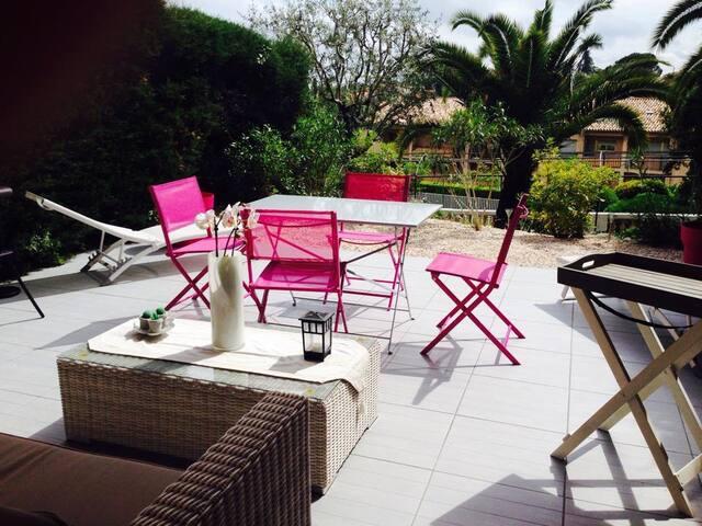 2 pièces en RDJ avec terrasse et accès piscine - Vence - Condominio