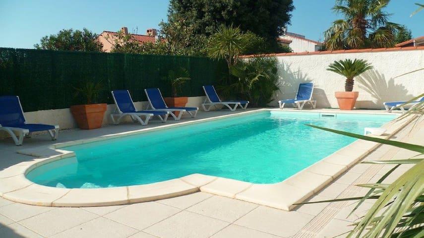 Superbe villa avec piscine chauffée