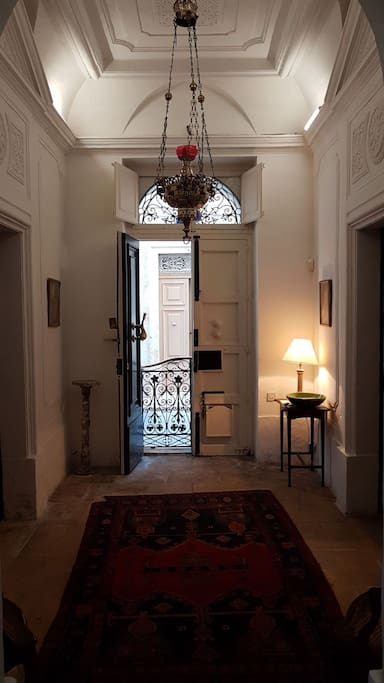 Entrance Hall Facing into Main entrance
