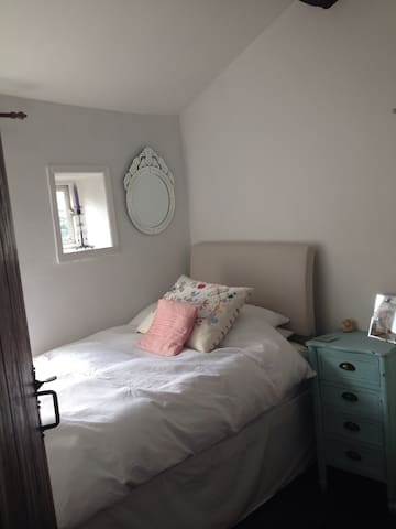Stylish 18Cth Cottage Nr Ramsbottom - Ramsbottom - Kabin