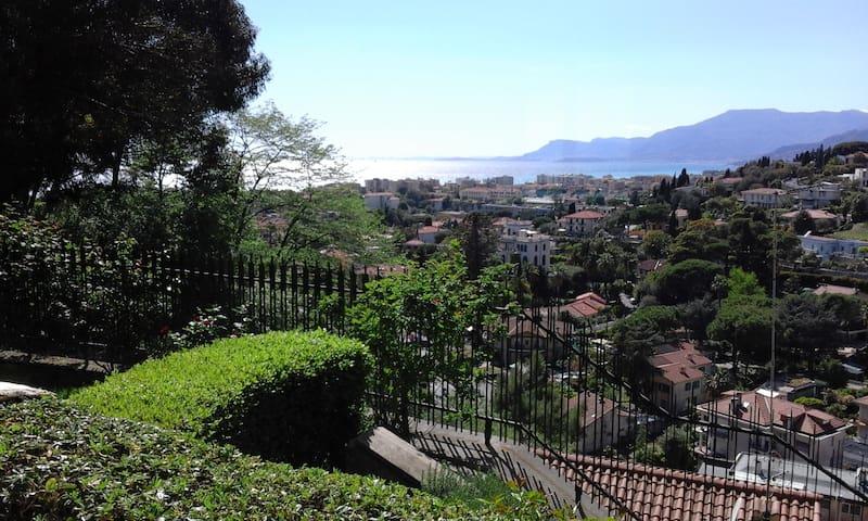 Bilocale confortevole con splendida vista - Bordighera