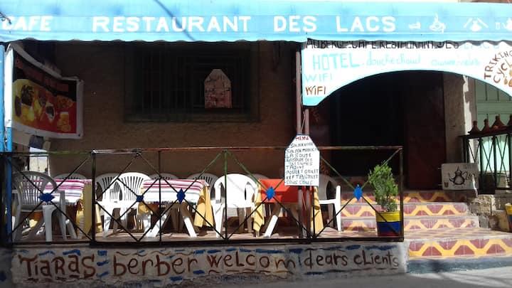 Auberge restaurant des lacs imilchil.