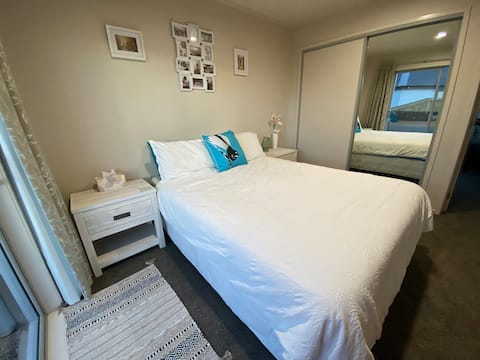 Whitianga - private, modern, good location