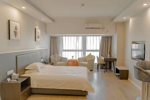 1 Jiaxing College Huafu Baba Gathering Building Hospital Business District Deluxe King Room
