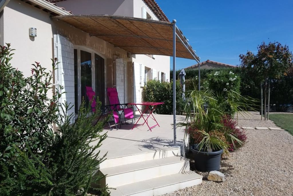 Chambre d 39 h te les oliviers houses for rent in maillane for St remy de provence chambre d hotes