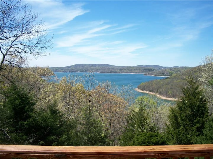 Honey Creek - Amazing Views of Beaver Lake from Living Room, Master, and Large Deck, Satellite, WiFi