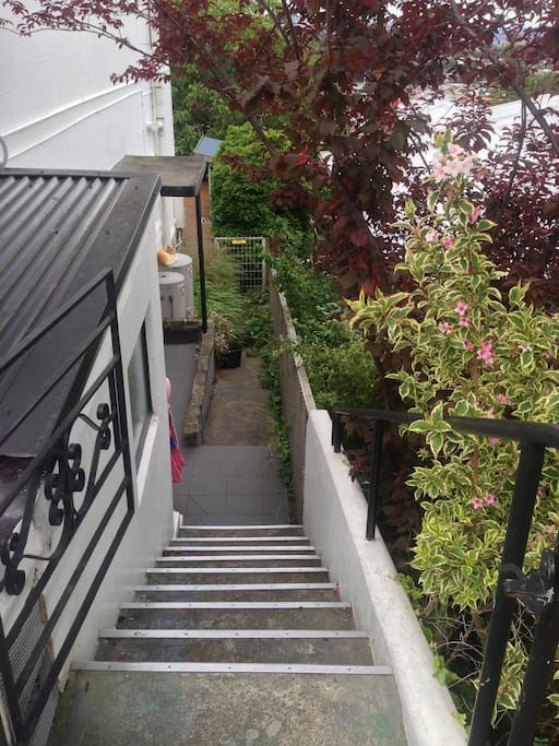 The cosy bedsit - enter down the steps