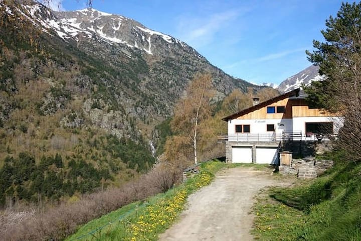 Heidi's little house in Vallnord - Ordino - Chalet
