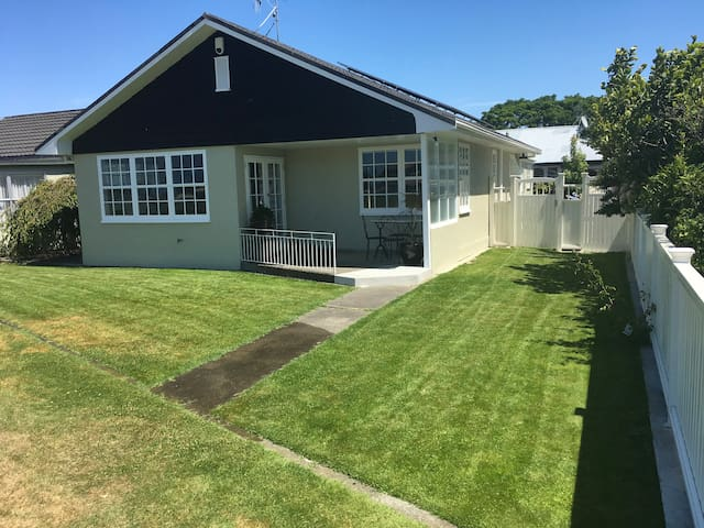 Nelson Park House - Family & Business Friendly!