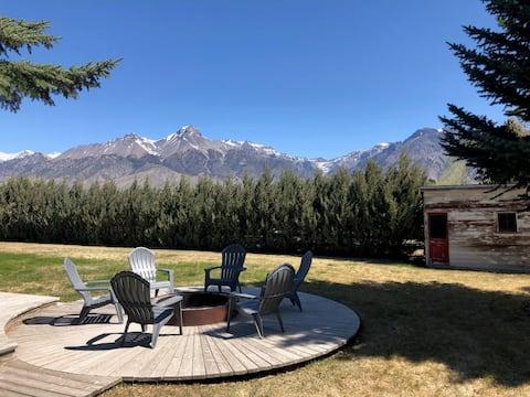 Incredible views, tallest mountain range in Idaho.