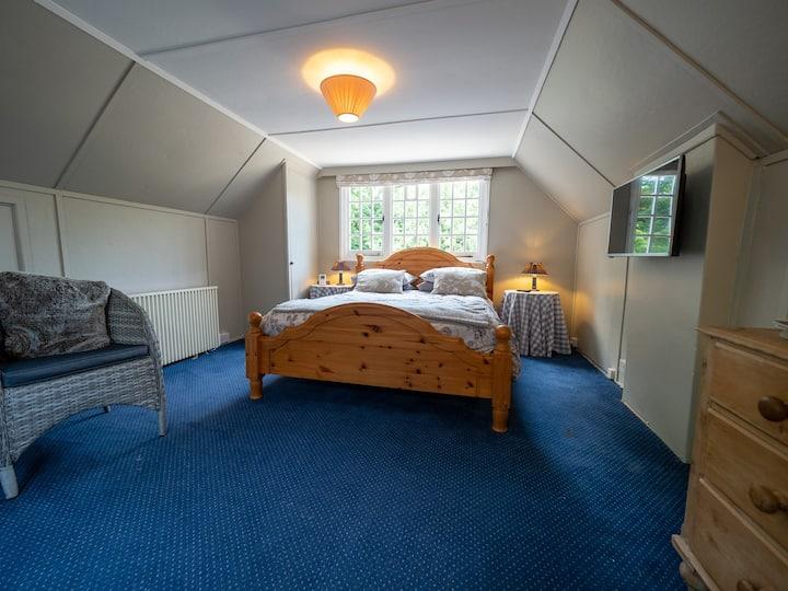 Bear Cottage, Beaulieu