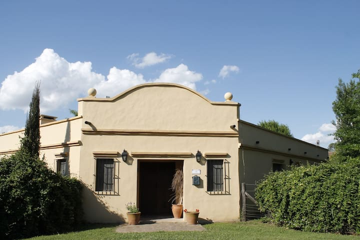 ARECO/Casa de campo con pileta - San Antonio de Areco - House