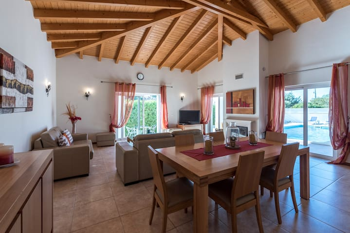 Private Rural Holiday Villa in The Algarve