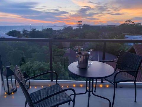 Wow, Breathtaking Sunsets 5★ Beach Condo (Netflix)
