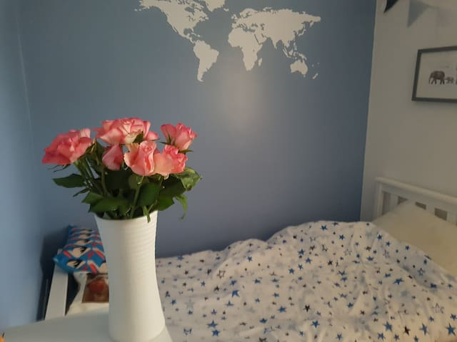 Friendly room in Northamptonshire