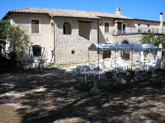 B&B , a peaceful oasis in the Sabina olive groves - Fara in Sabina - Bed & Breakfast