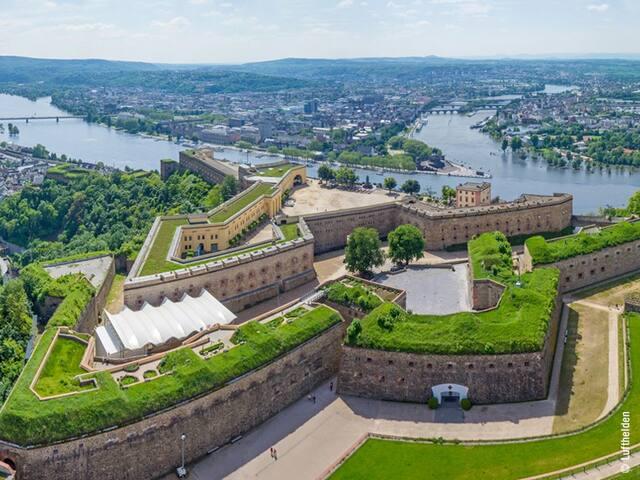 """""""US Style"""" Gästezimmer  Kingsize Bett in Koblenz"""