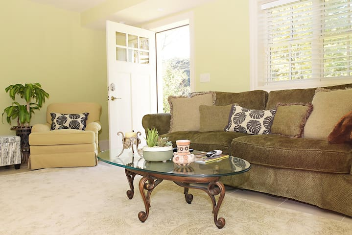 Grove Park Guest Suite