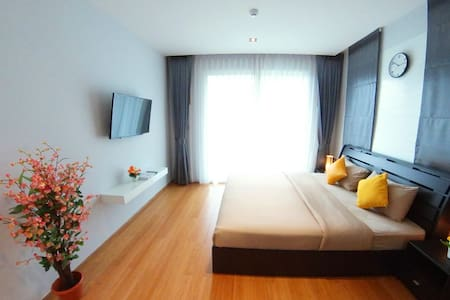 Deluxe One-bedroom 78sqm with Sea-view in Patong - Apartment
