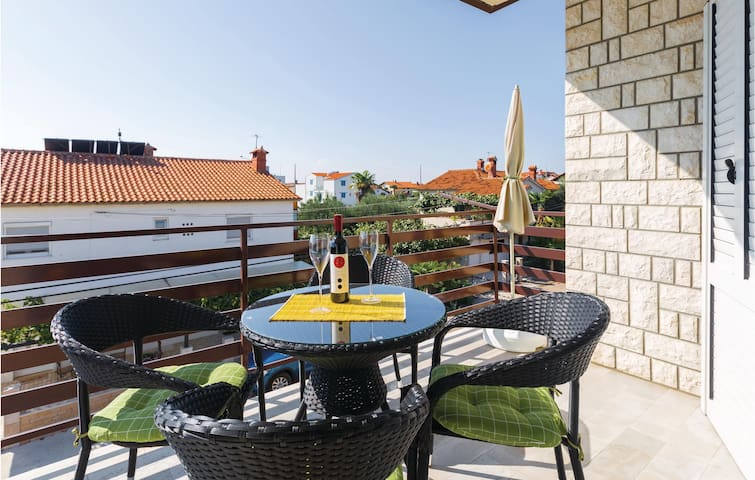 Holiday apartment with 2 bedrooms on 48m² in Novigrad