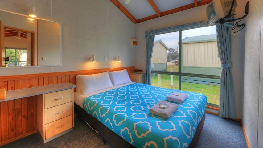 Twofold Bay Villa Main Bedroom