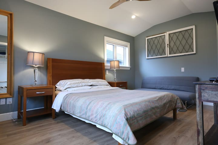 Vancouver room - Vancouver Traveller bed breakfast