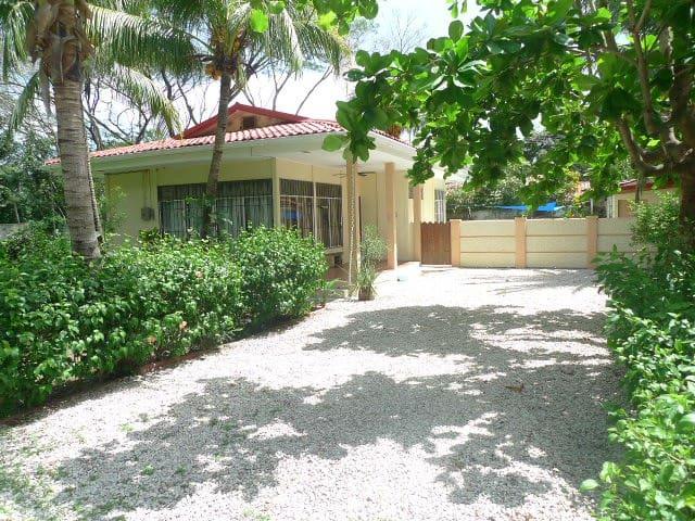 Casa Faber Surfside, Playa Potrero Calle Mango - Guanacaste - Lakás