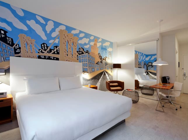 NU Hotel, NU Perspective Room with Mural