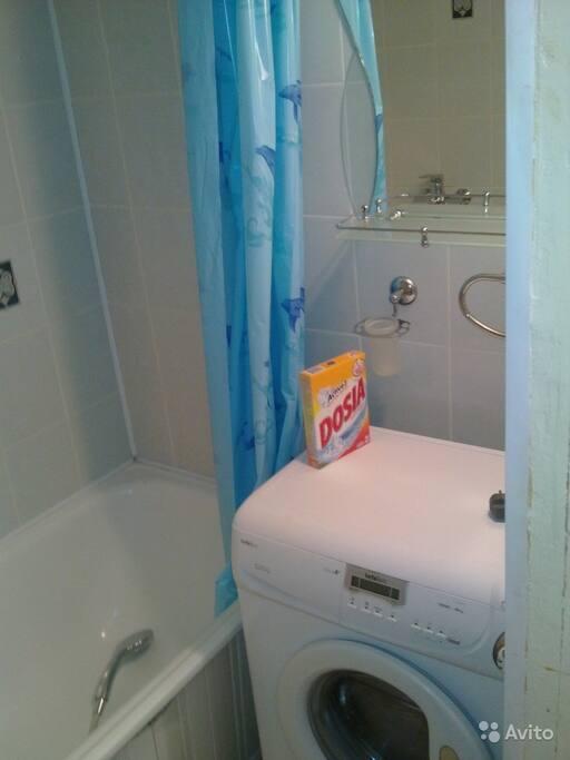 Ванная и стиральная машинка автомат
