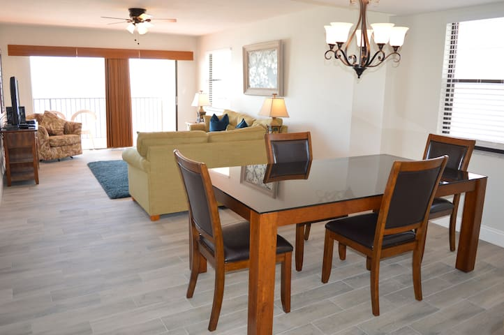 Las Brisas Gulf Front 3 bedroom 407 By TRS
