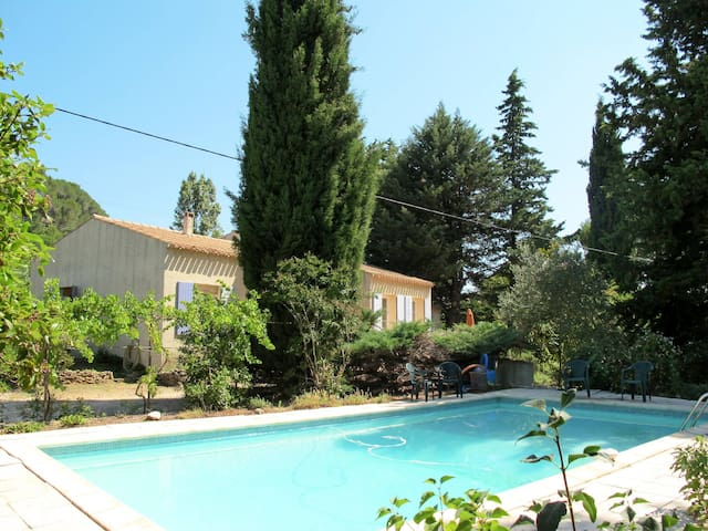 Holiday home in Tresques