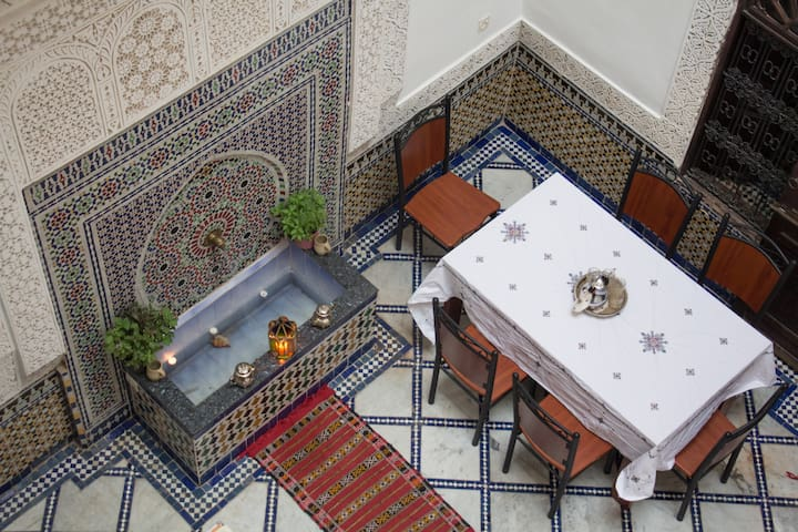 Double /Twin Room with Saharan Family in fez - Fes - Flat
