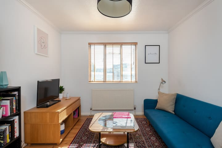Modern 1BR Flat in Angel/Islington, Fits 4