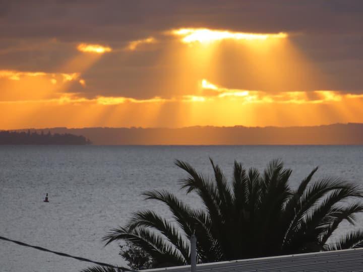 Bonjour Coronet Bay