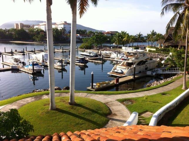 Porto Ixtapa Marina Front Villa - Zihuatanejo