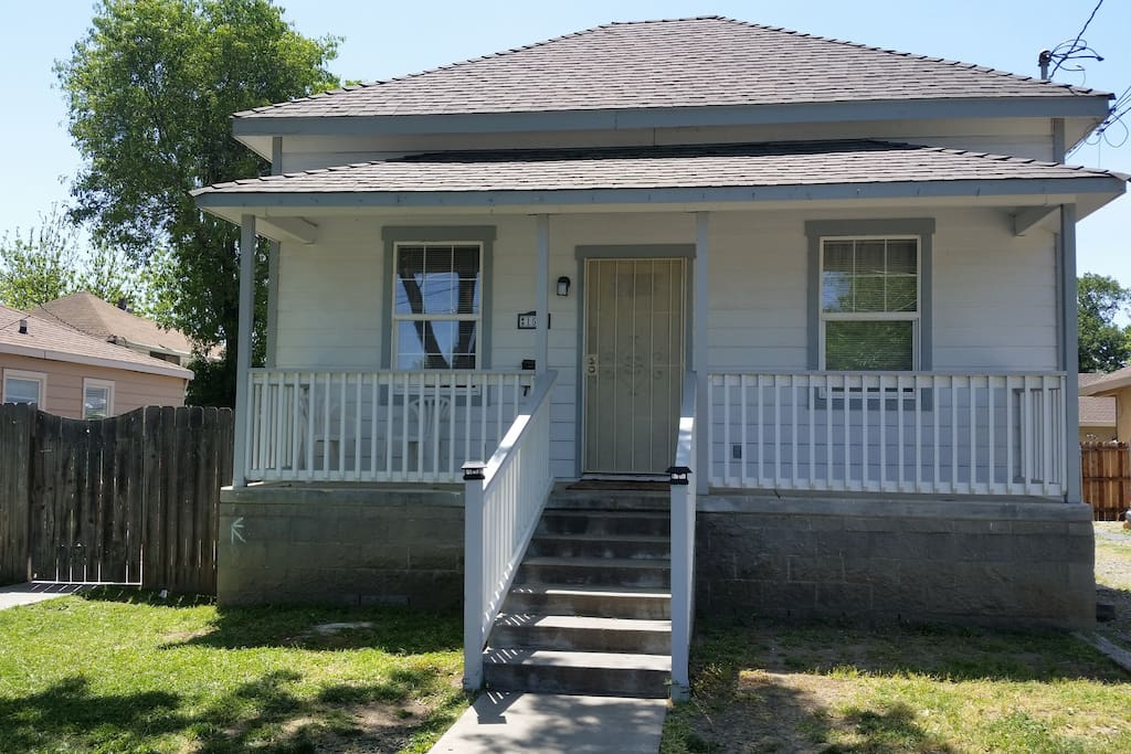 front of house - 3 bedroom/ 2 bath