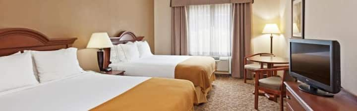Extravagant Twin Two Double Beds At Great Smokies