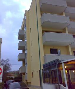 Fronte mare - Montignano-Marzocca - 公寓