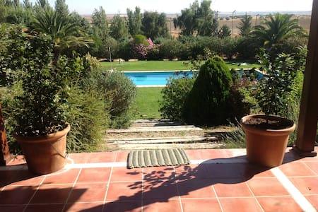 """Casa de Campo en Toledo """"La Jaralera CountryHouse"""" - Casarrubios del Monte - Haus"""