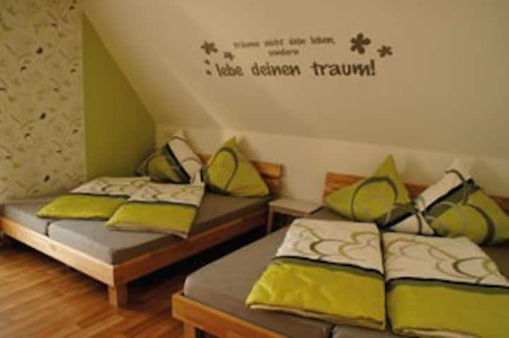 Ferienhaus em Biehl, (Ehingen/ Donau - Frankenhofen), Ferienhaus, 200qm, 5 Schlafzimmer, max. 16 Personen
